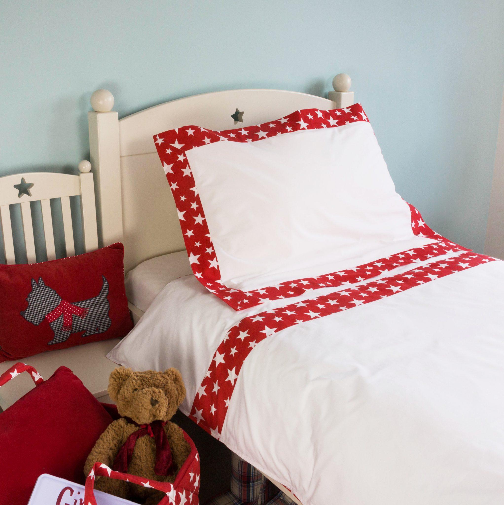 Kiddiewinkles Personalised Children's Red Star Bedding Set